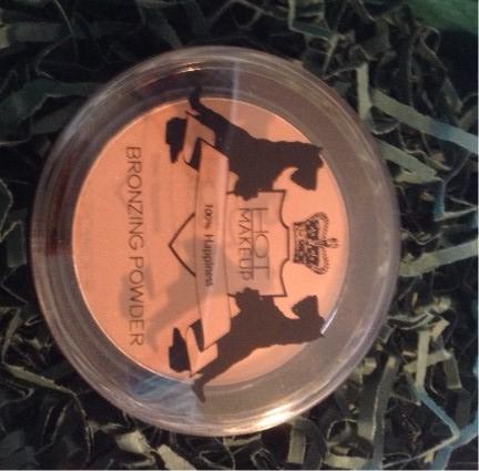 LuxLikeStyle Look Fantastic Beauty Box Hot Makeup Bronzing Powder